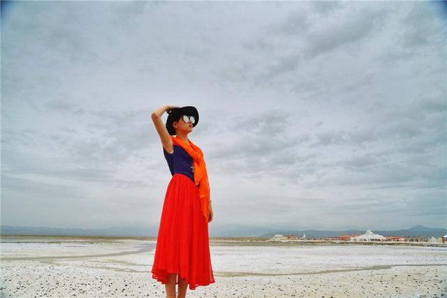 储盐量4亿4千万吨的茶卡盐湖,被誉为我国的天空之境